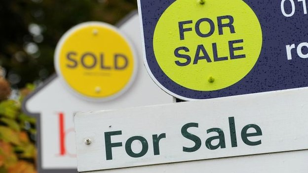 UK house prices fall in feb